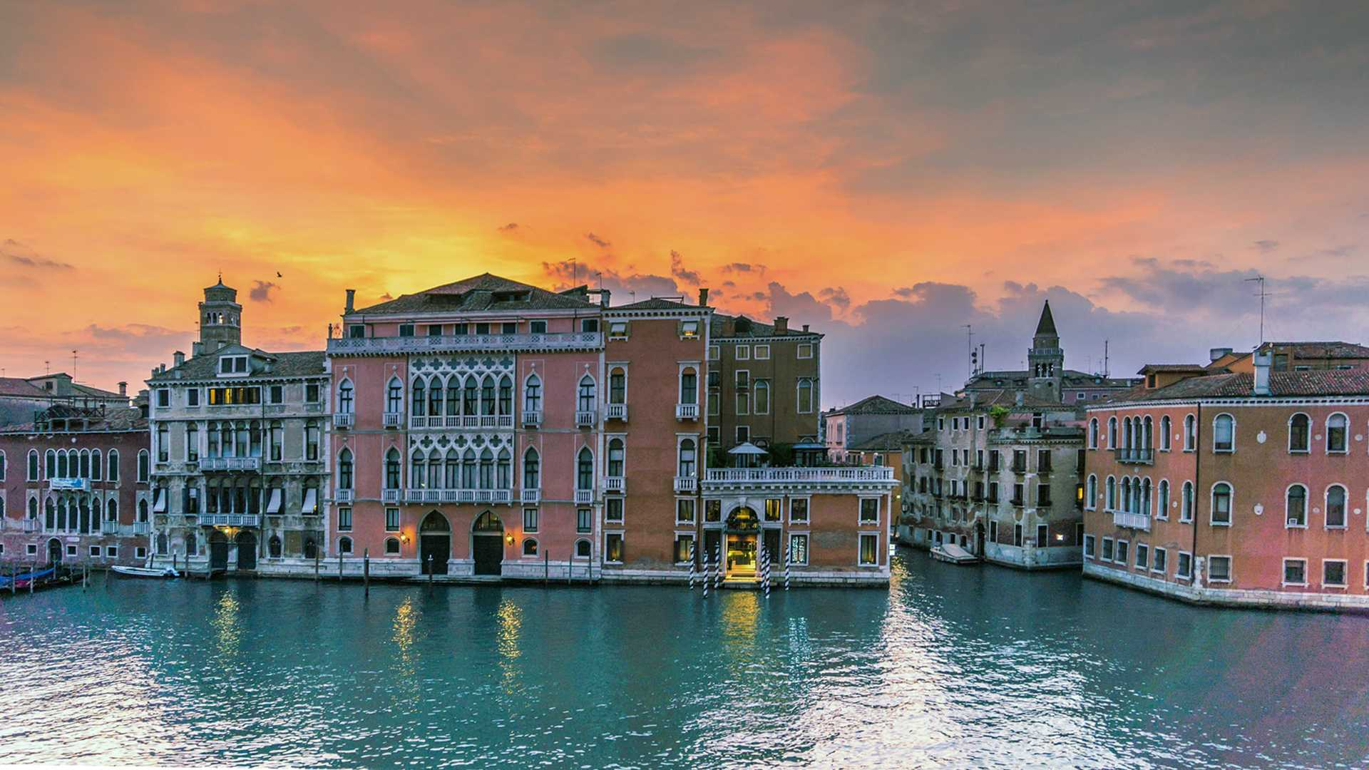 venice palace sunset
