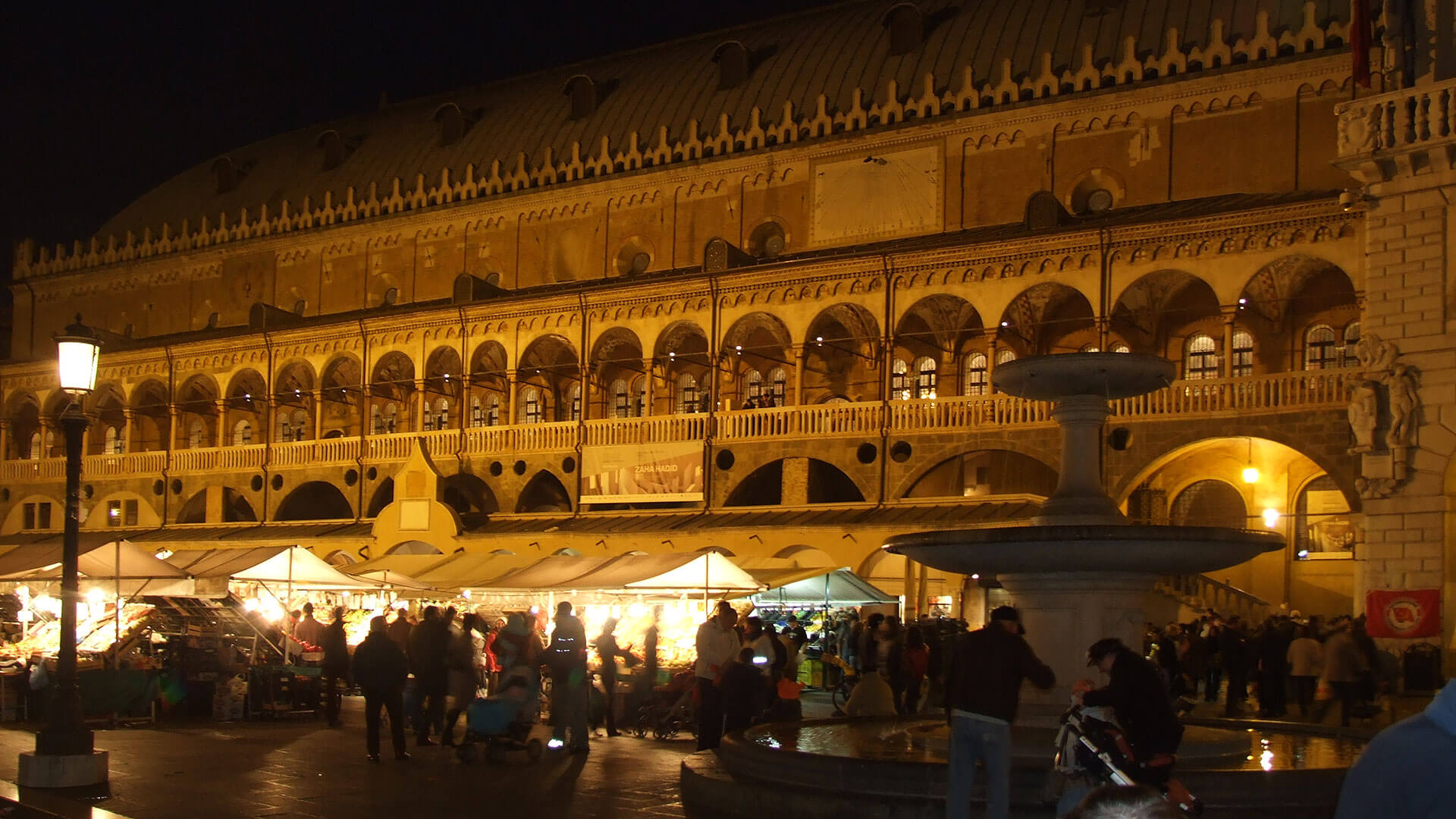 Piazza Delle Erbe Padua Nightlife
